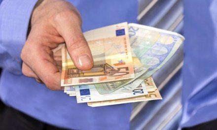 Dossier : Revenu Universel, qu'en pensent les économistes ?